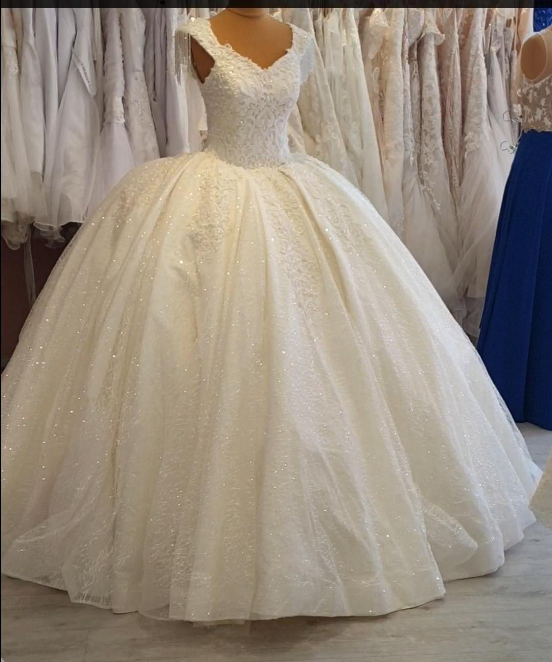 Pin von jule auf Hochzeitskleid in 2020 | Brautkleid ...