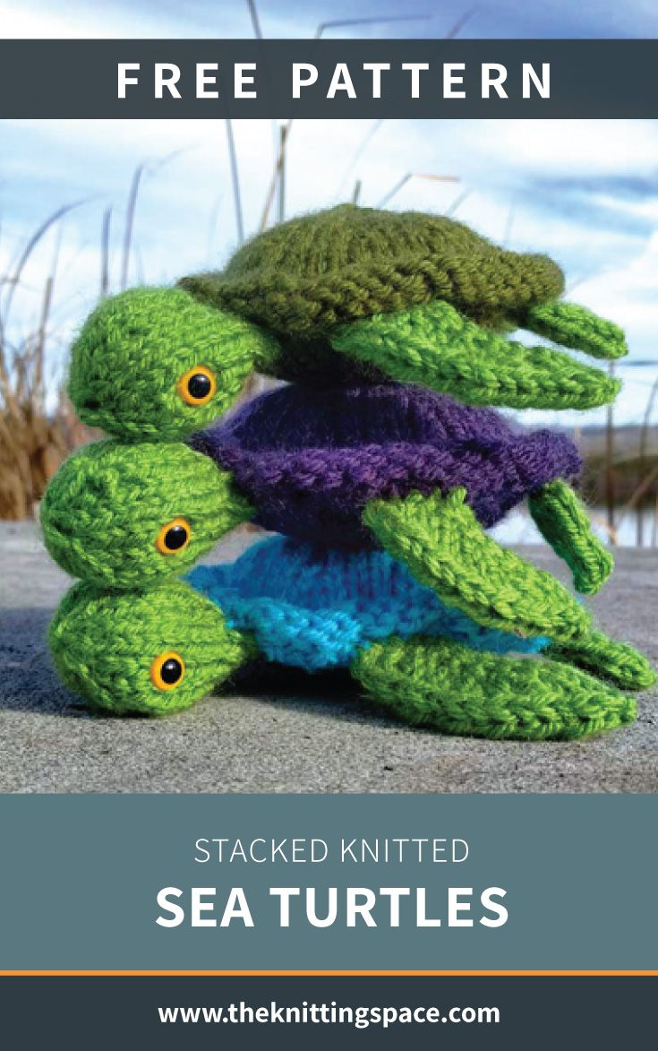 Stacked Knitted Sea Turtles [FREE Knitting Pattern]