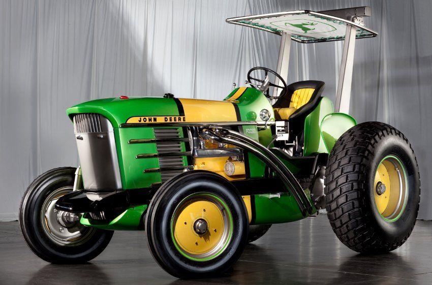 getunter john deere traktor ein scheinbar b se blickendes. Black Bedroom Furniture Sets. Home Design Ideas