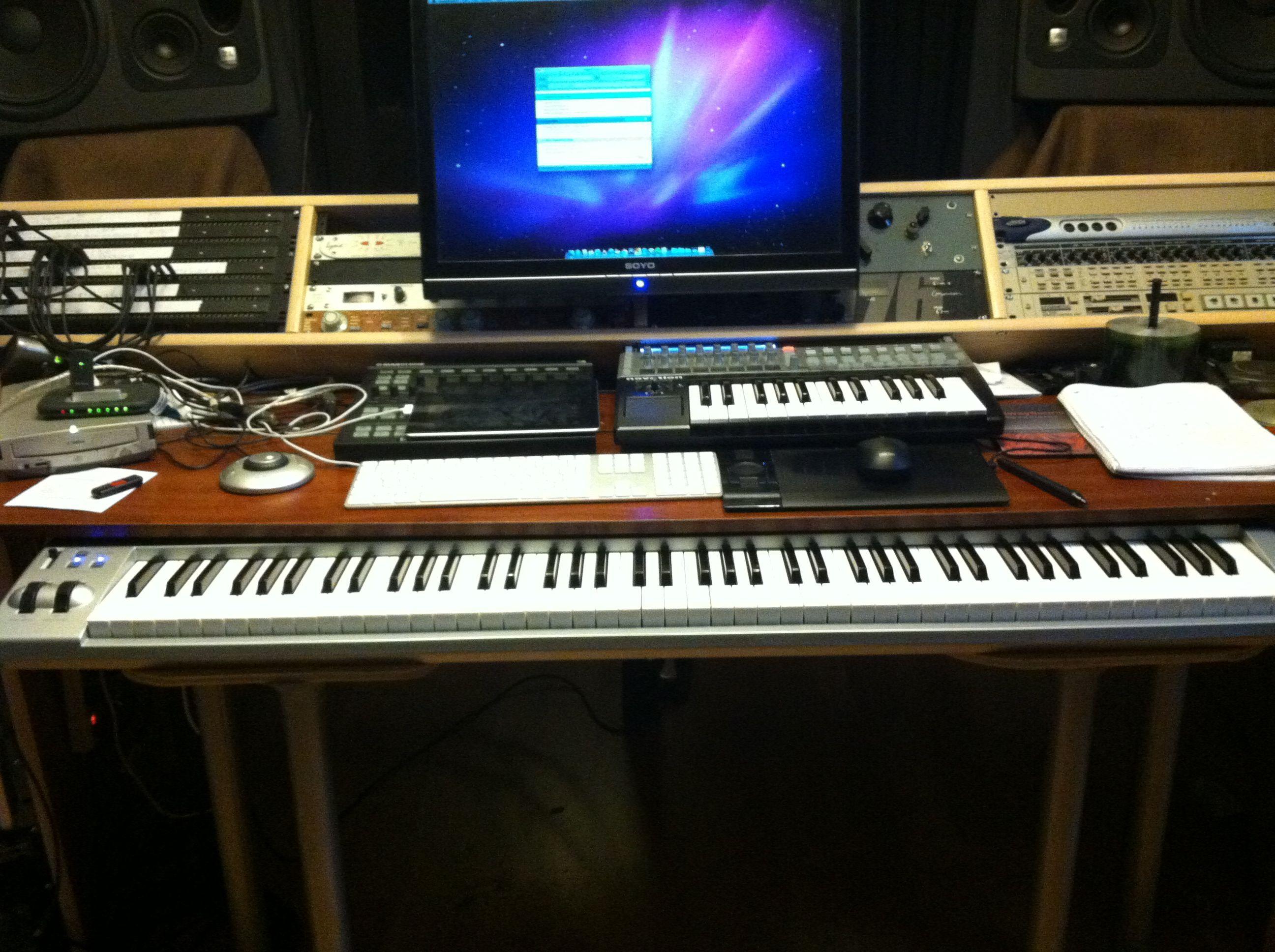 Studio Composer Desk Setup Google Search Pinterest Desks And Room