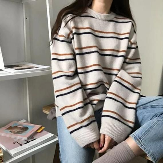 Hello! Welcome to our store!Quality is the first with best service. customers all are our friends.Fashion design,100% Brand New, high quality!Color: As the picture showSleeve: Full sleeveSize: one sizeStyle:CasualCondition:100% newProduct Include: 1 * sweater