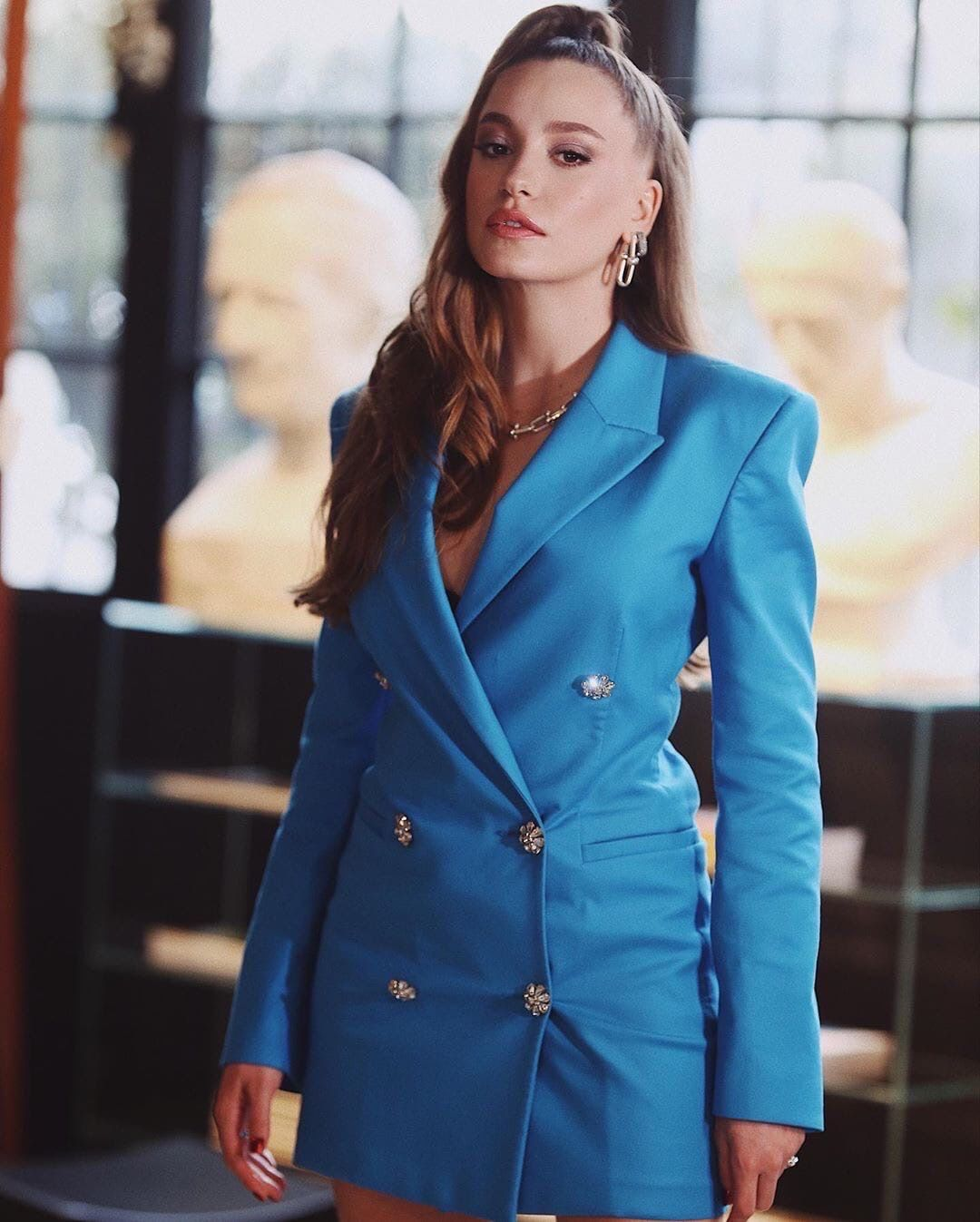 Serenay Sarikaya Fashion Outfits Double Breasted Suit Jacket
