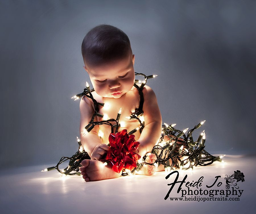 Baby Pictures With Christmas Lights Google Search Baby  - Baby With Christmas Lights