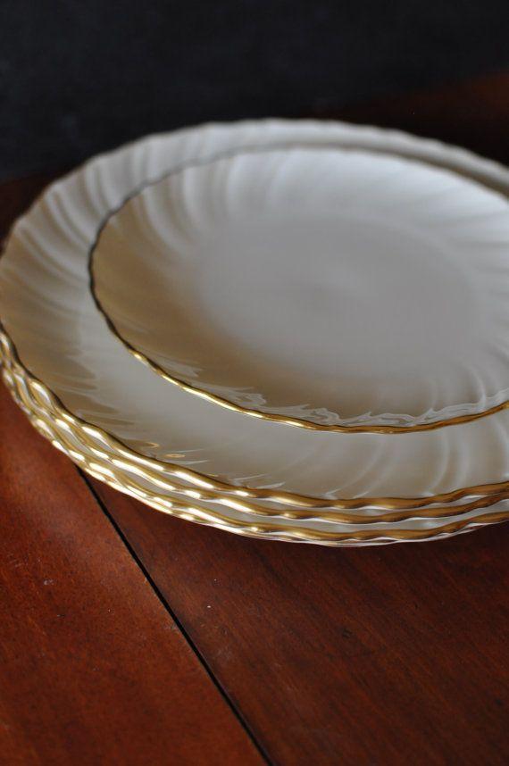 LENOX Laurent Gold Rim Fine China Dinner Plates / 10.5\