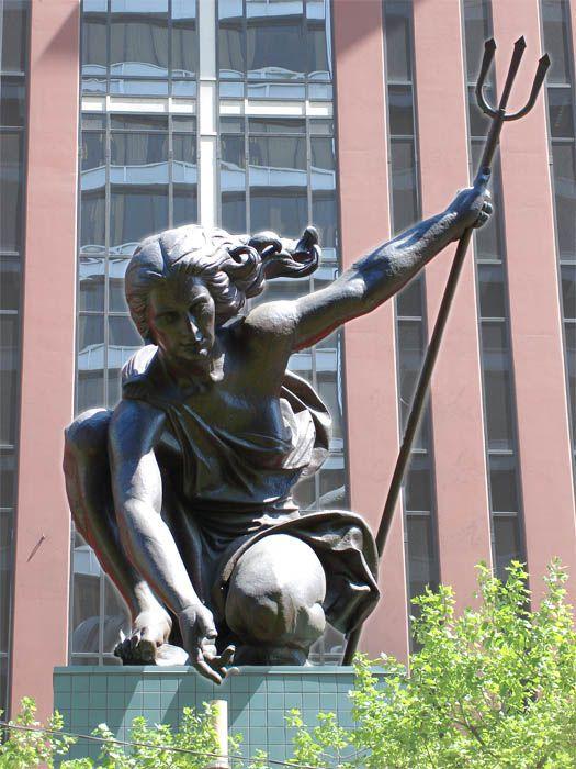 Portlandia Portland Travel Statue Fountain Public Art