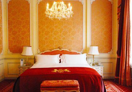 Meines Suite, ein Traum in Rosa und Rot. Hotel Imperial in Wien