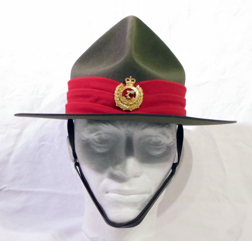 Modern New Zealand Army Dress Hat In Traditional Lemon Squeezer Style A Variation Of The Montana Peak Military Badges Army Dress Uniform Military Cap