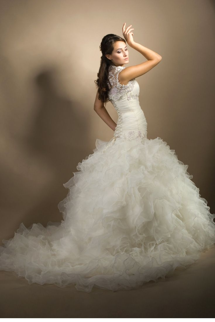 Obtain inspirations for the best wedding dress using our large