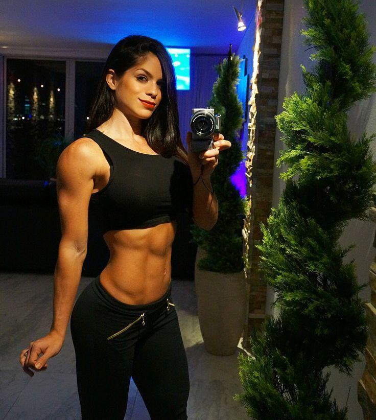 Michelle Lewin Wallpaper Fitness Girl Michelle Lewin