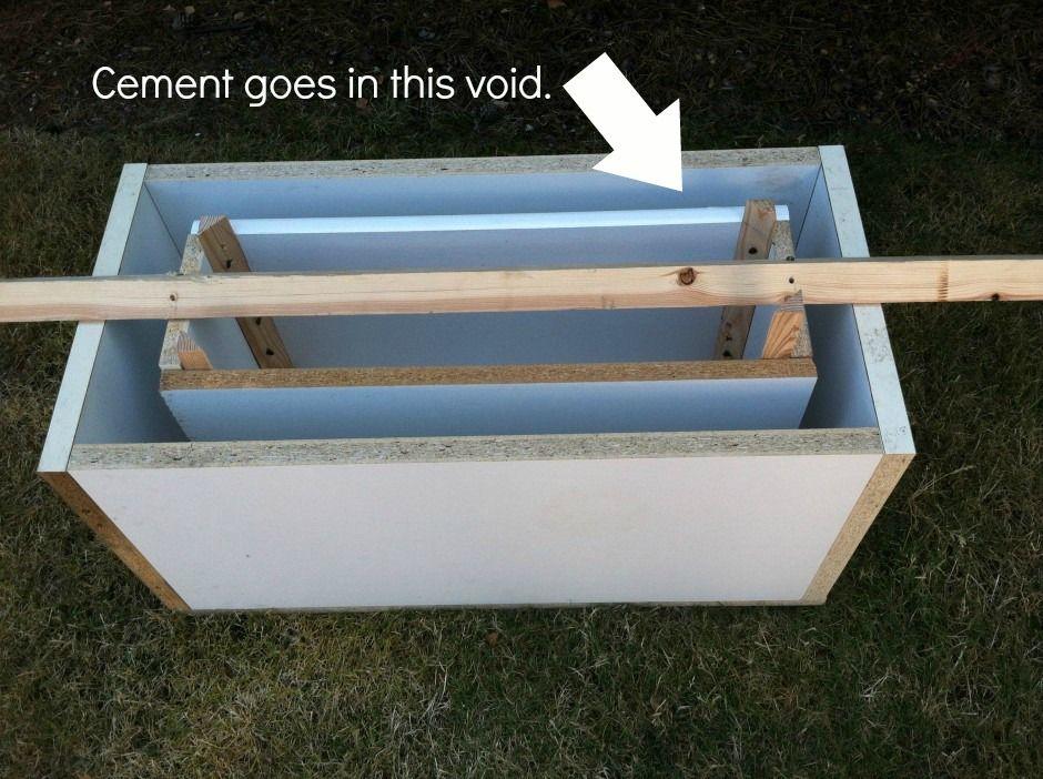 A Diy Concrete Planter It S Easier Than It Looks Vasos De
