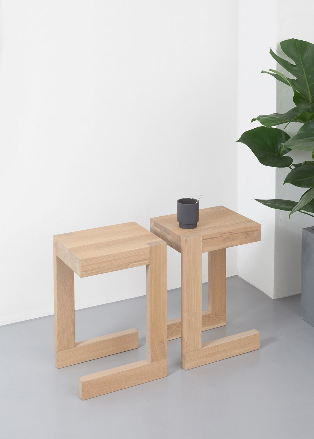 Donker Eiken Side Table.Frames Design Bijzettafel L Erik Jansen L Odesi Dutch
