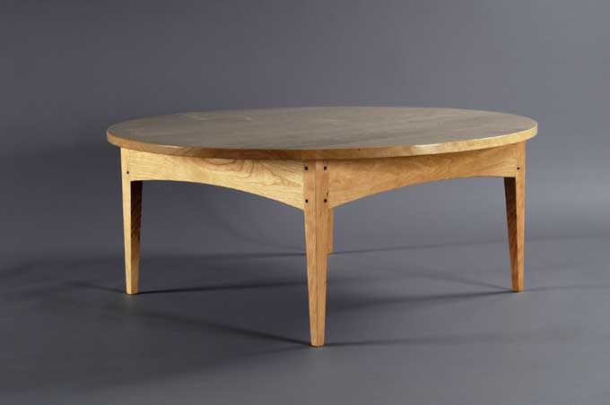 Handcrafted Shaker Coffee Table In Solid Wood Mahogany With A Round Top