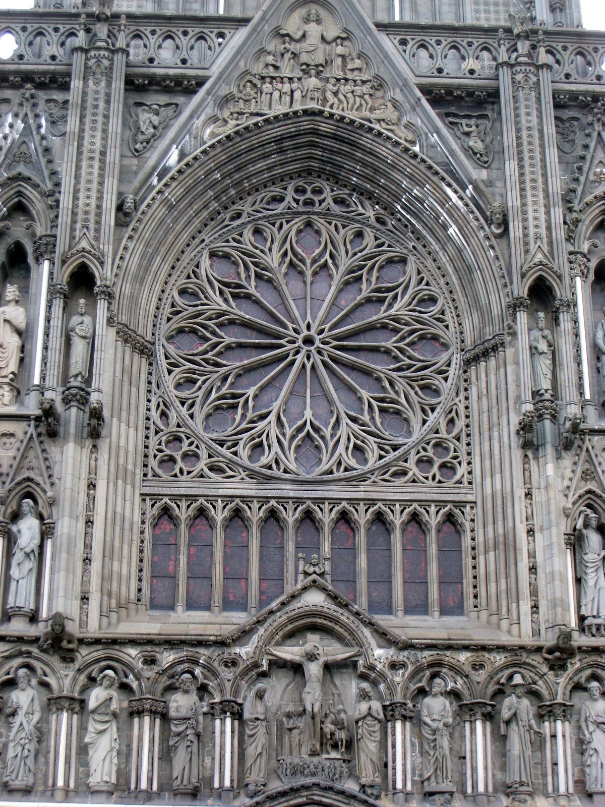 nidaros cathedral trondheim norway rose window outside view iglesias mezquitas monumentos. Black Bedroom Furniture Sets. Home Design Ideas
