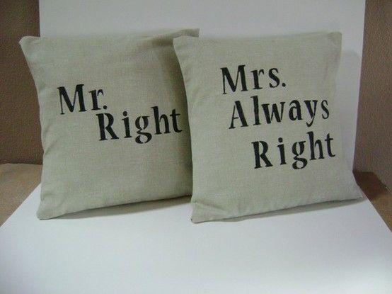 Cuscini Mr Right Mrs Always Right.Haha So True Pillows Pillow Covers Mr Right