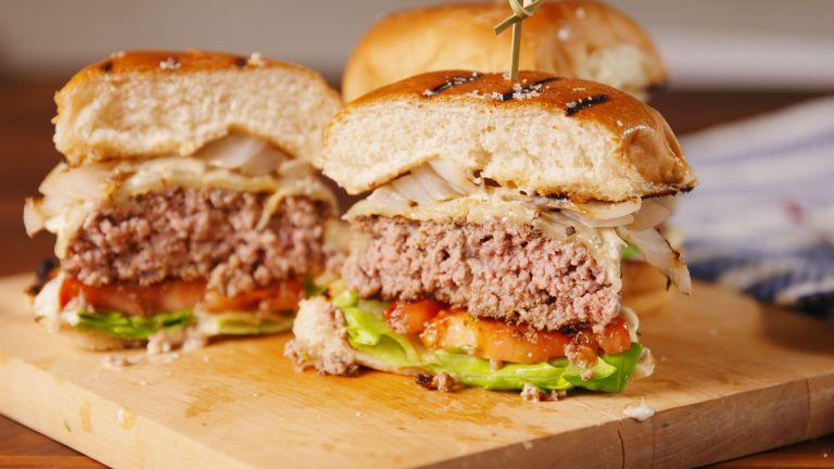 Chef Gordon Ramsay Perfect Burger Recipe Ramsay Burger Recipe Gordon Ramsey Recipes Gordon Ramsay Recipe