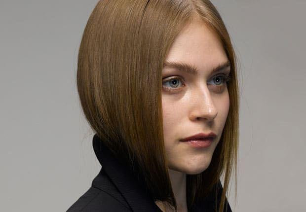coupe-de-cheveux-fille-visage-ovale-cheveux-courts-chatains.jpg (620×430) | Cheveux courts ...