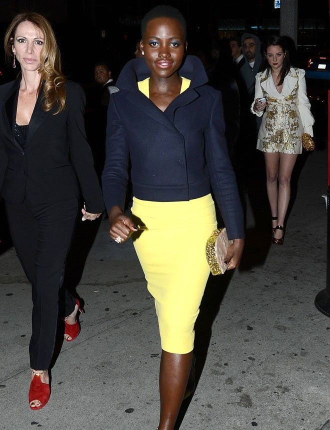 maquilaje http://www.marie-claire.es/moda/look/fotos/los-mejores-looks-de-lupita-nyong-o/maquilaje