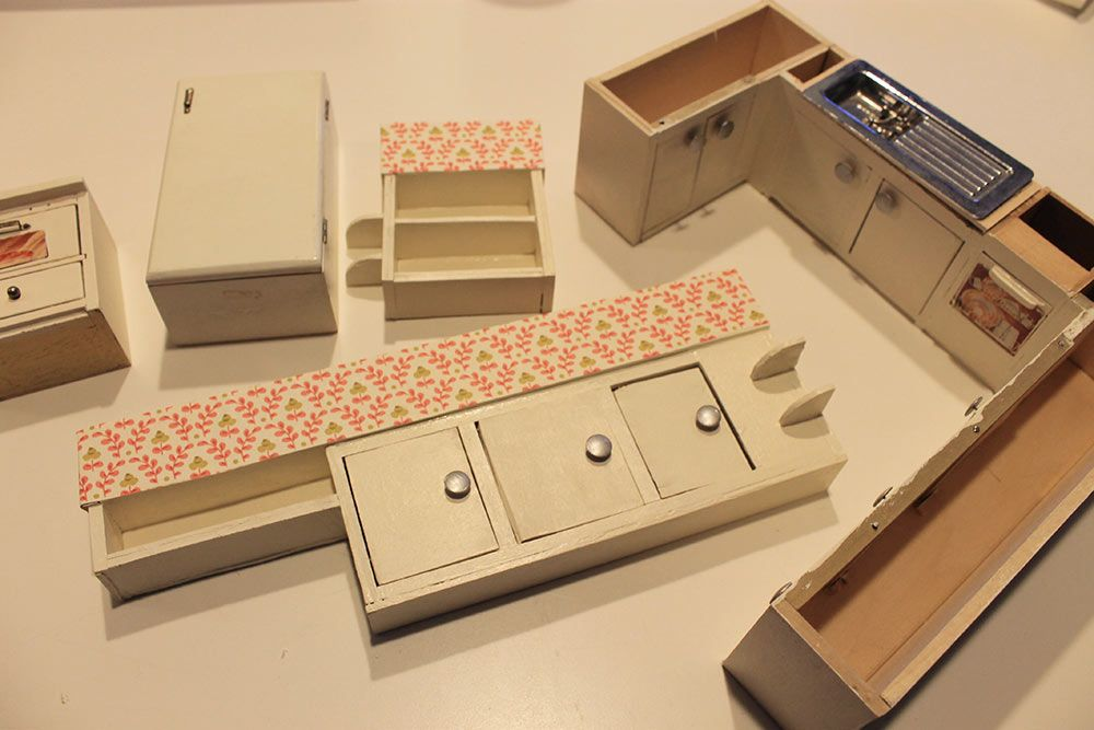 Kate Started With Odd Lots Of Vintage Dollhouse Kitchen Cabinets And Liances Then Customized Them To Fit Into Her Betsy Mccall Diy