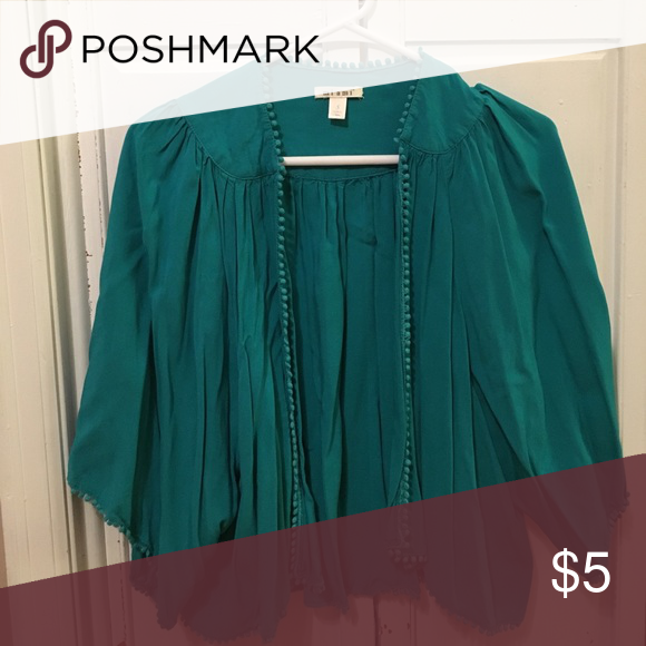 Poncho/wrap Green/blue half sleeve wrap Francesca's Collections Tops