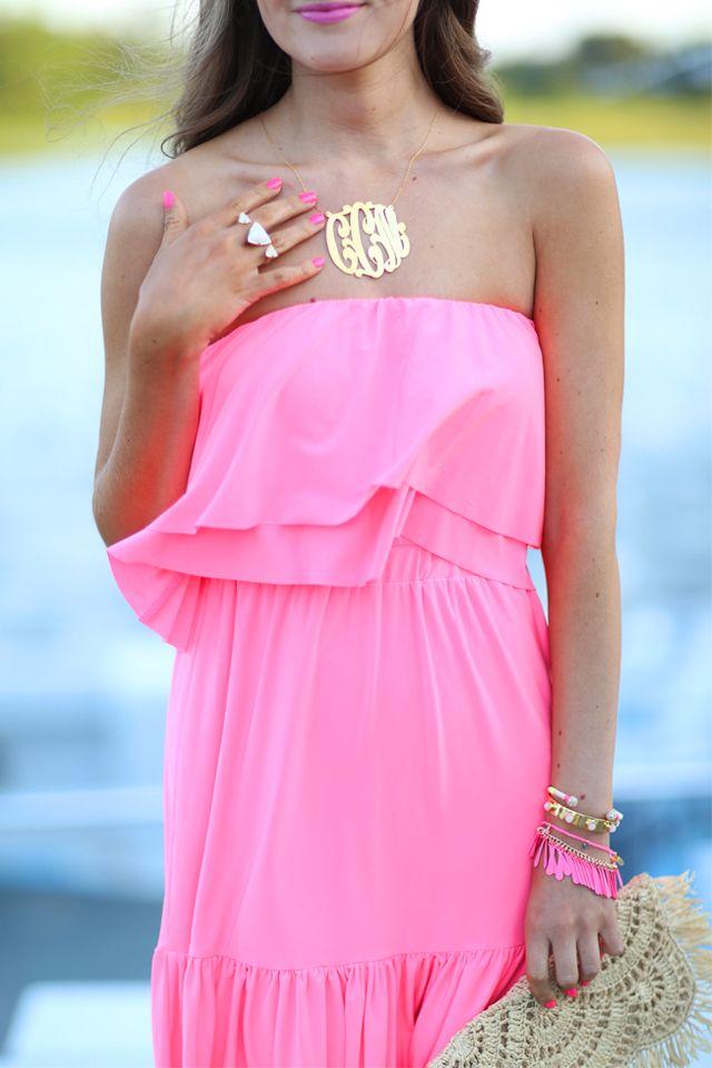Neon Pink Ruffles... | Las águilas, Vestidos de fiesta y Bonitas