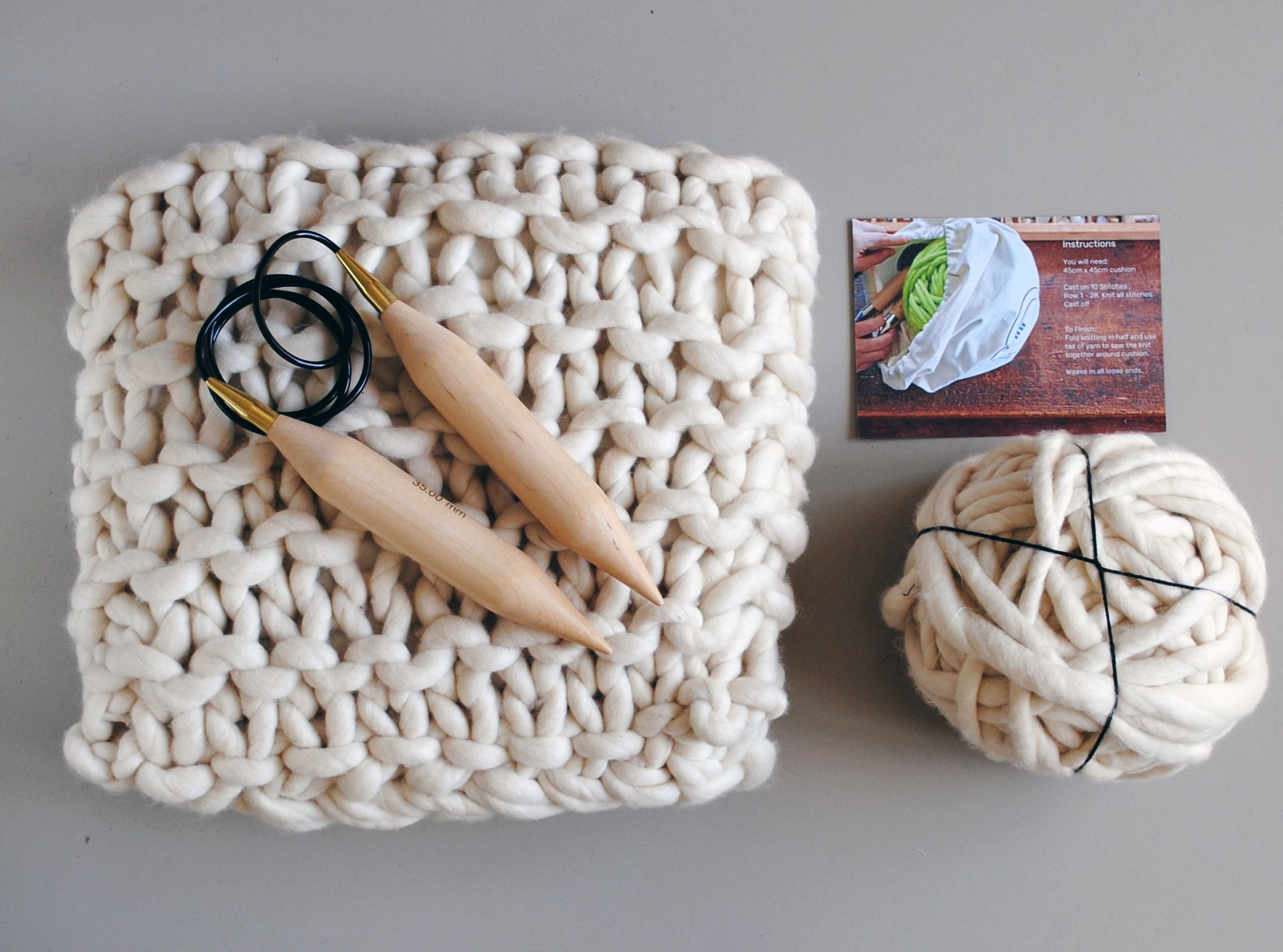 Knit your own chunky knit cushion! Knitted cushions