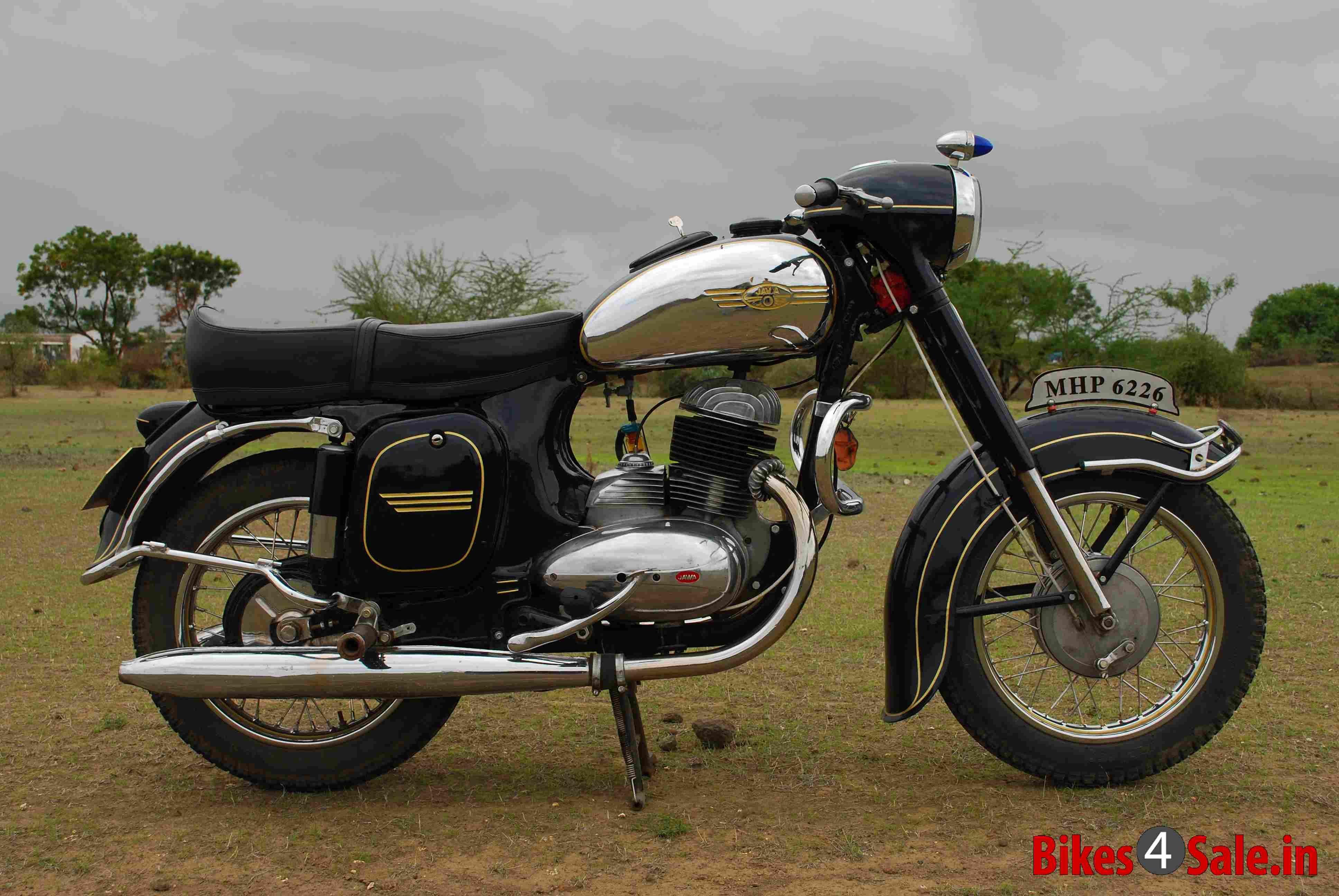 Jawa Moto Is Coming Back Vintage Bikes Bikes For Sale Bike