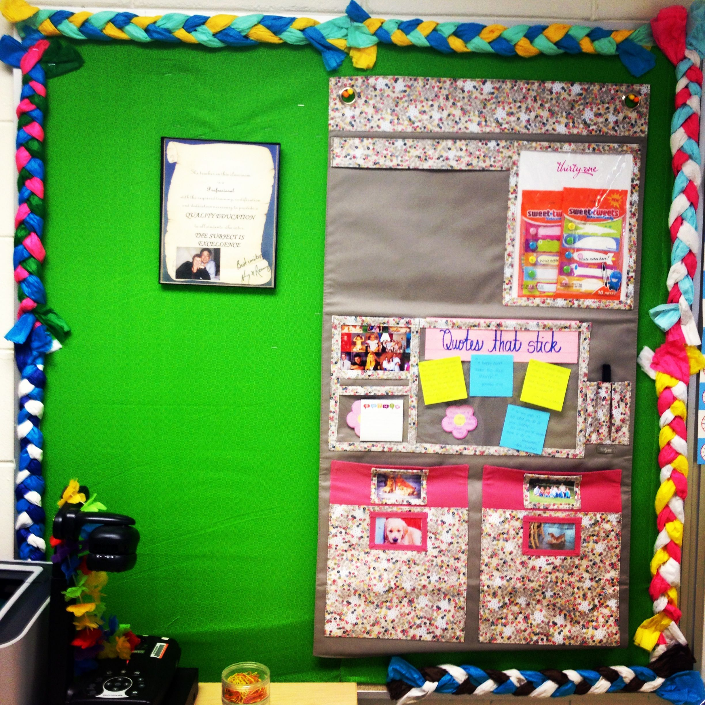 Classroom Design Paper : Braided tissue paper for bulletin border fun teaching
