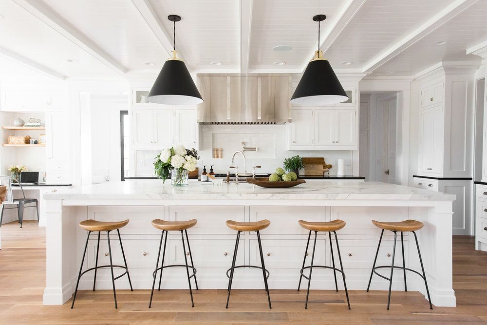 New Webisode Modern Farmhouse Meets The Hamptons In Our Windsongproject Interior Design Kitchen Home Decor Kitchen Modern Farmhouse Kitchens
