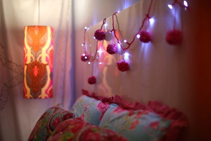 30 ideias criativas para usar pisca-pisca na decoração de casa