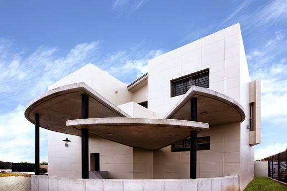 Facades Coverlam Grespania Studio Jose Manuel Andújar Villaescusa Single family house. Murcia, España www.grespania.com www.facebook.com/grespaniaceramica