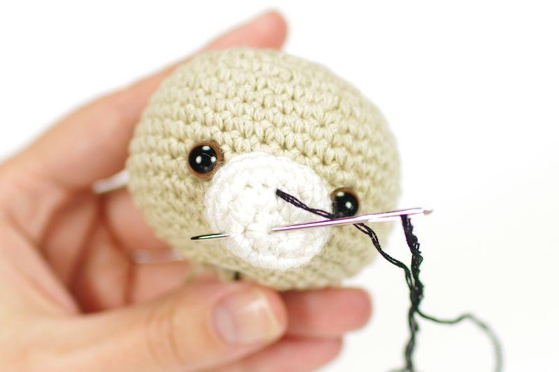 make teddy bear nose | Crochet | Pinterest | Alfombras de trapo ...