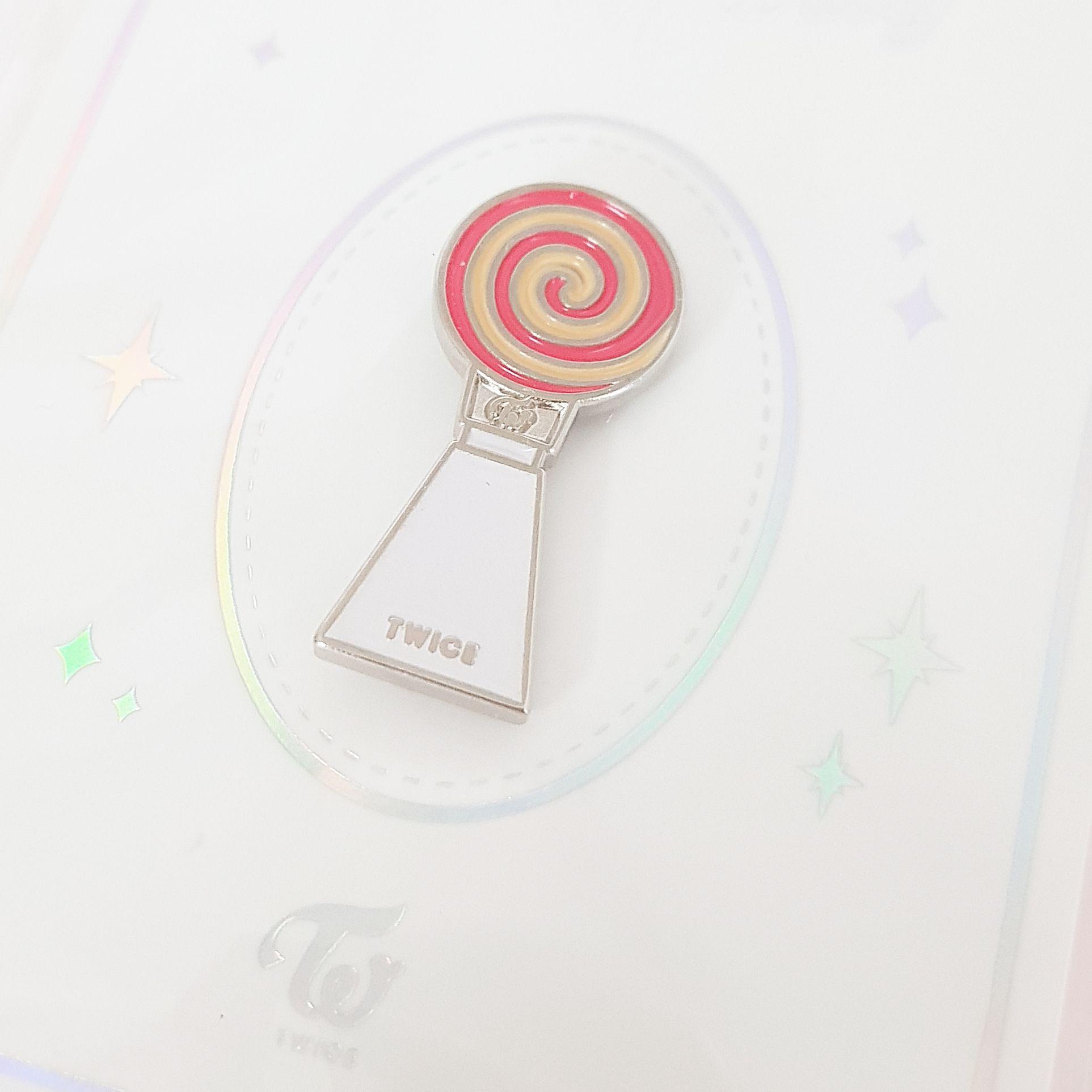 TWICE Official Merchandise CandyBong METAL BADGE | TWICE in