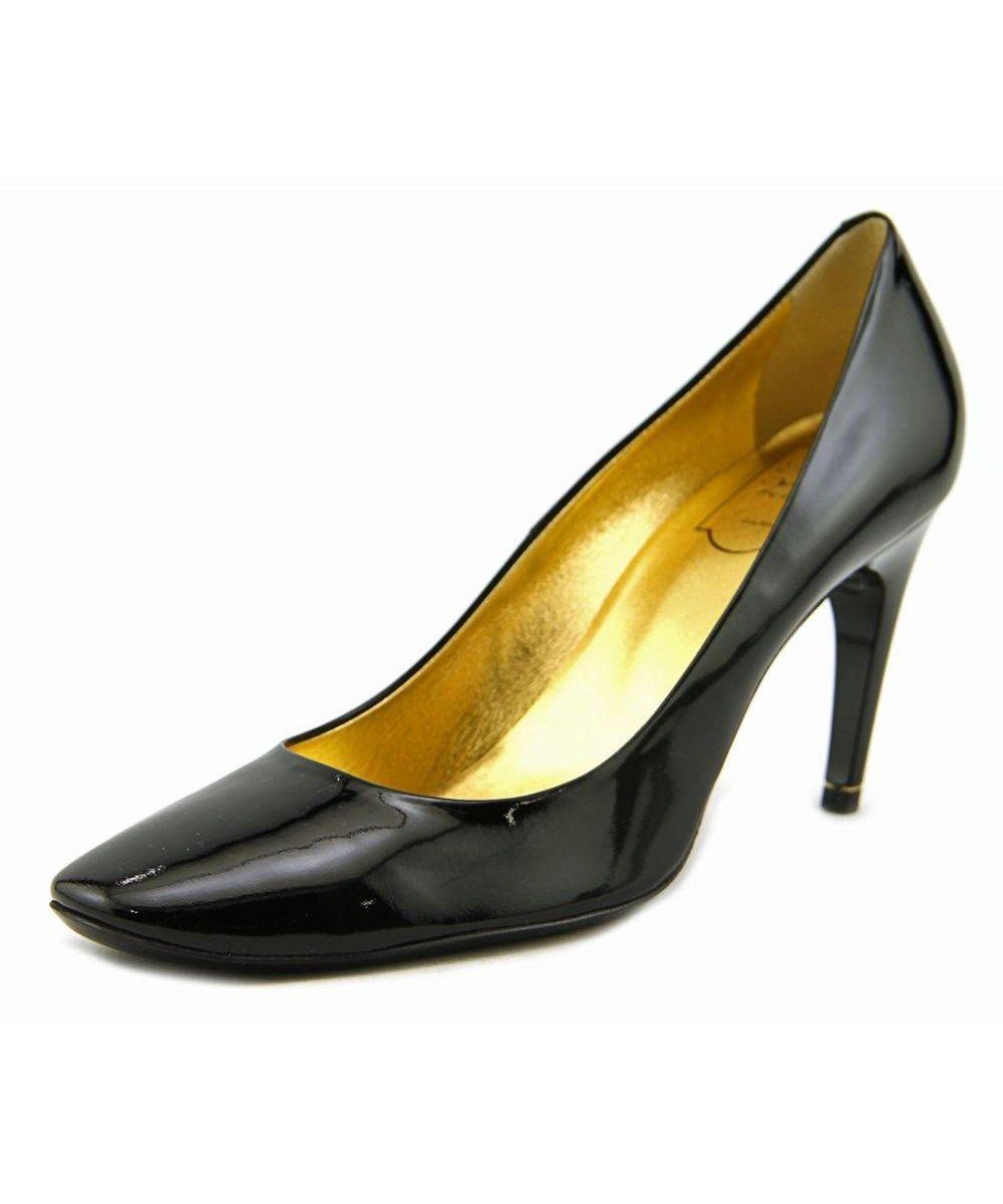 c567bf79324 ROGER VIVIER Roger Vivier Needle Choc T.85 Round Toe Patent Leather Heels .   rogervivier  shoes  pumps   high heels