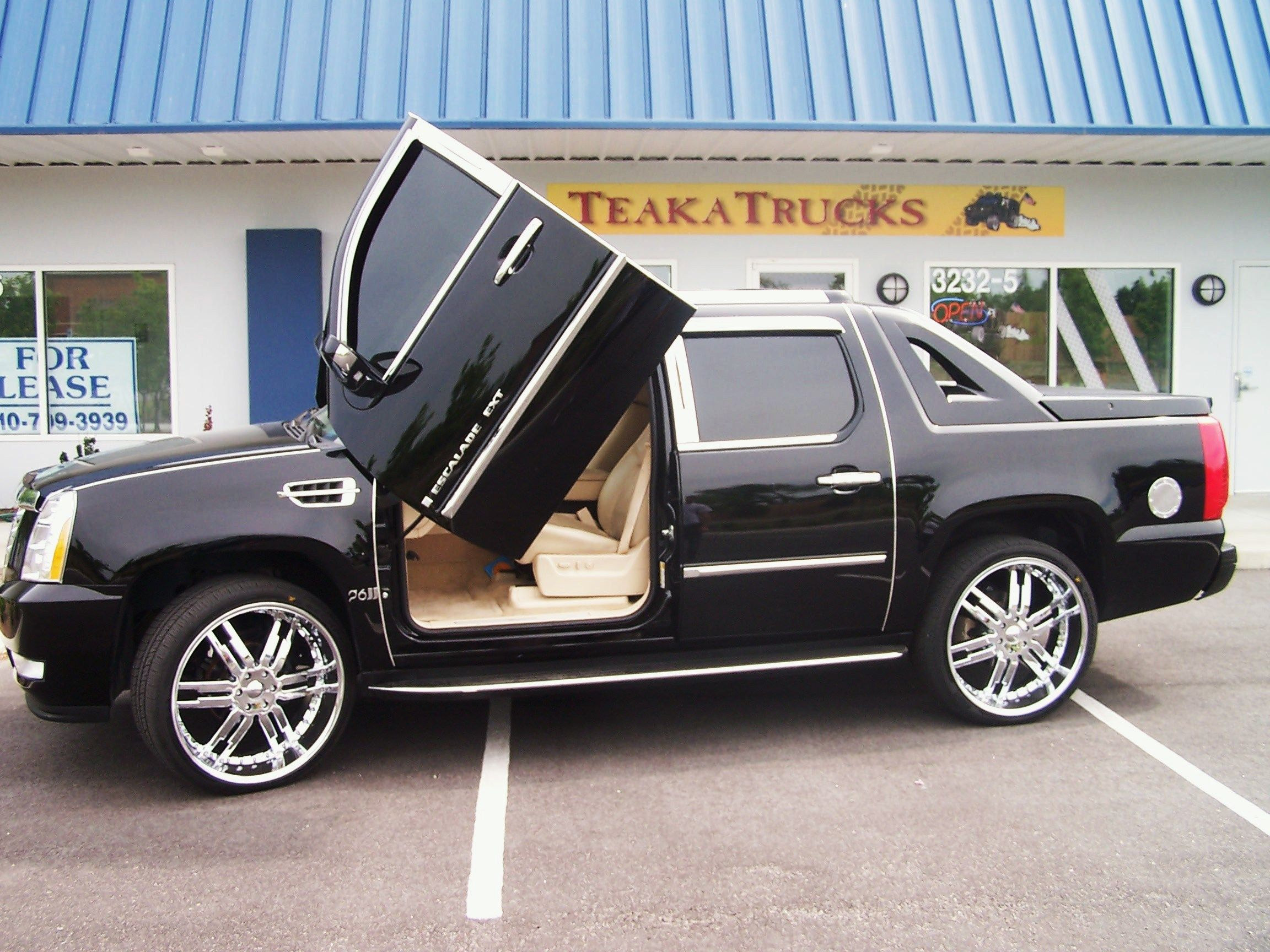 Cadillac Escalade Ext Another Dream Car Not This Tricked Out Tho That S A Bit Much For Me But Looks Good
