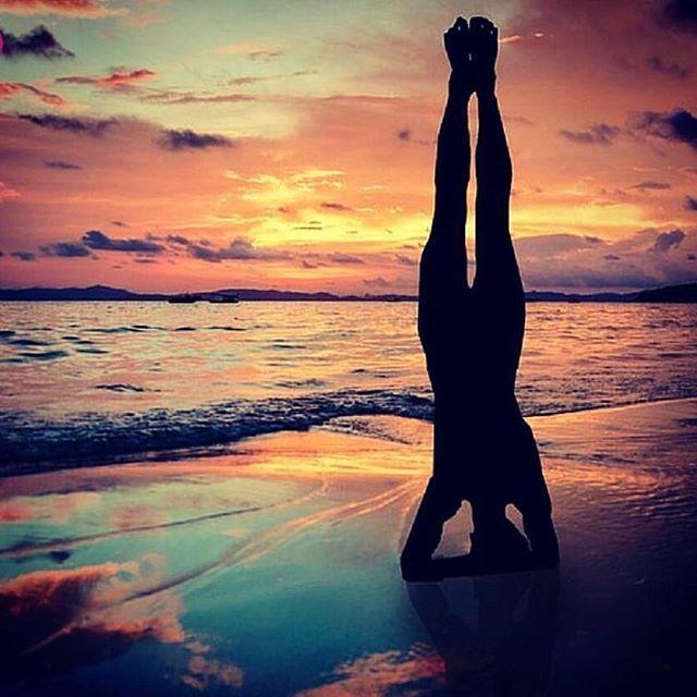 A repost  from @yogapilatesfran.canary_islands, a beautiful place for beach yoga. ⠀  ⠀  ⠀  ⠀  .⠀  .⠀  .⠀  .⠀  .⠀  .⠀  ⠀  ⠀  #yogalove #yoga #yogaeverywhere #yogainspiration #yogapose #leggings #myyogalife #yogavideos #yoga #yogaeverydamnday #advancedyoga #balance #fitness #dance #yogagram #yogisofinstagram  #yogini #yogadaily #yogachallenge #yogainspiration #yogajourney #yogaaddict #yogaeverydamnday #yogapractice #yogaeveryday #iloveyoga #namaste #stretch #strong #asa