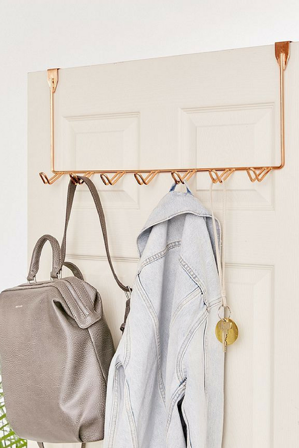 Simple Over The Door Multi Hook Keep Your Essentials Right On Hand With This Chic Take On Simple Bathroom Decor Home Decor Styles Earthy Home Decor