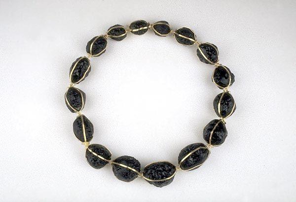 "Klaus Burgel - Hell (necklace) | 1997 | Gold 750, tektites | 18"""