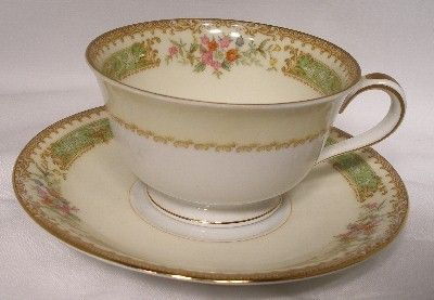 I found this pattern at an antique shop and I've been in love ever since! Noritake 194