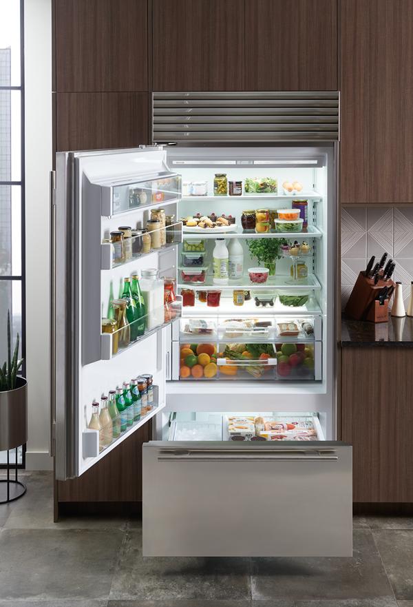 Sub Zero 36 Classic Over And Under Refrigerator Freezer With Internal Dispenser Bi 36uid S Refrigerator Freezer Refrigerator Subzero Refrigerator