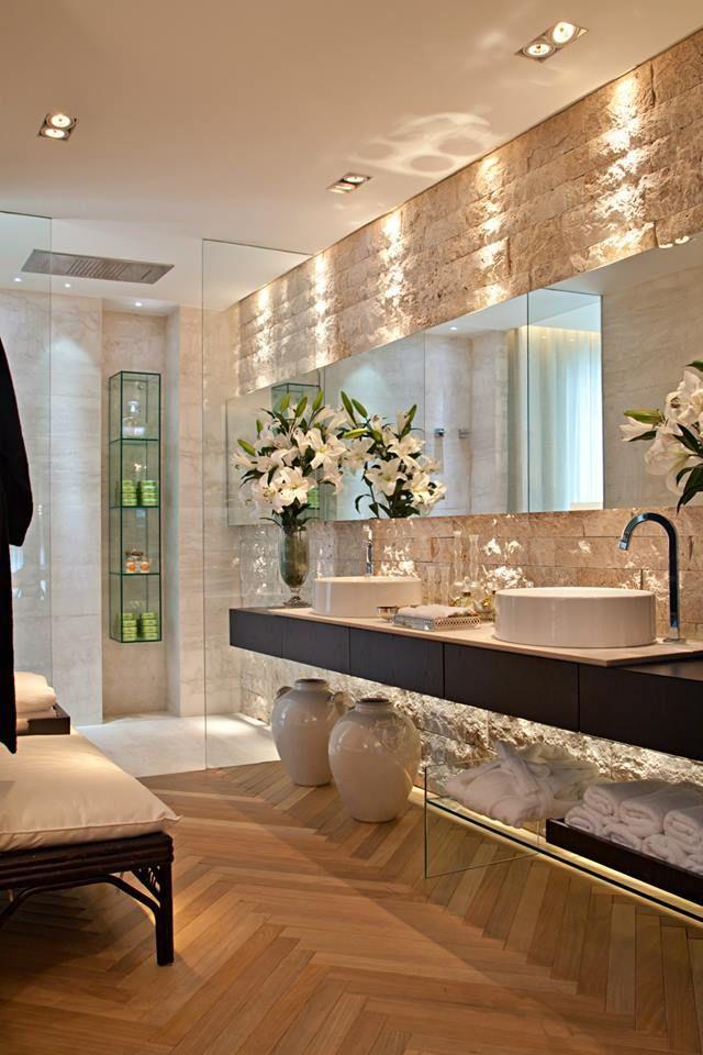 Banheiro da Suíte principal de Ana Lúcia Jucá - Casa Cor Rio 2013 - baos lujosos