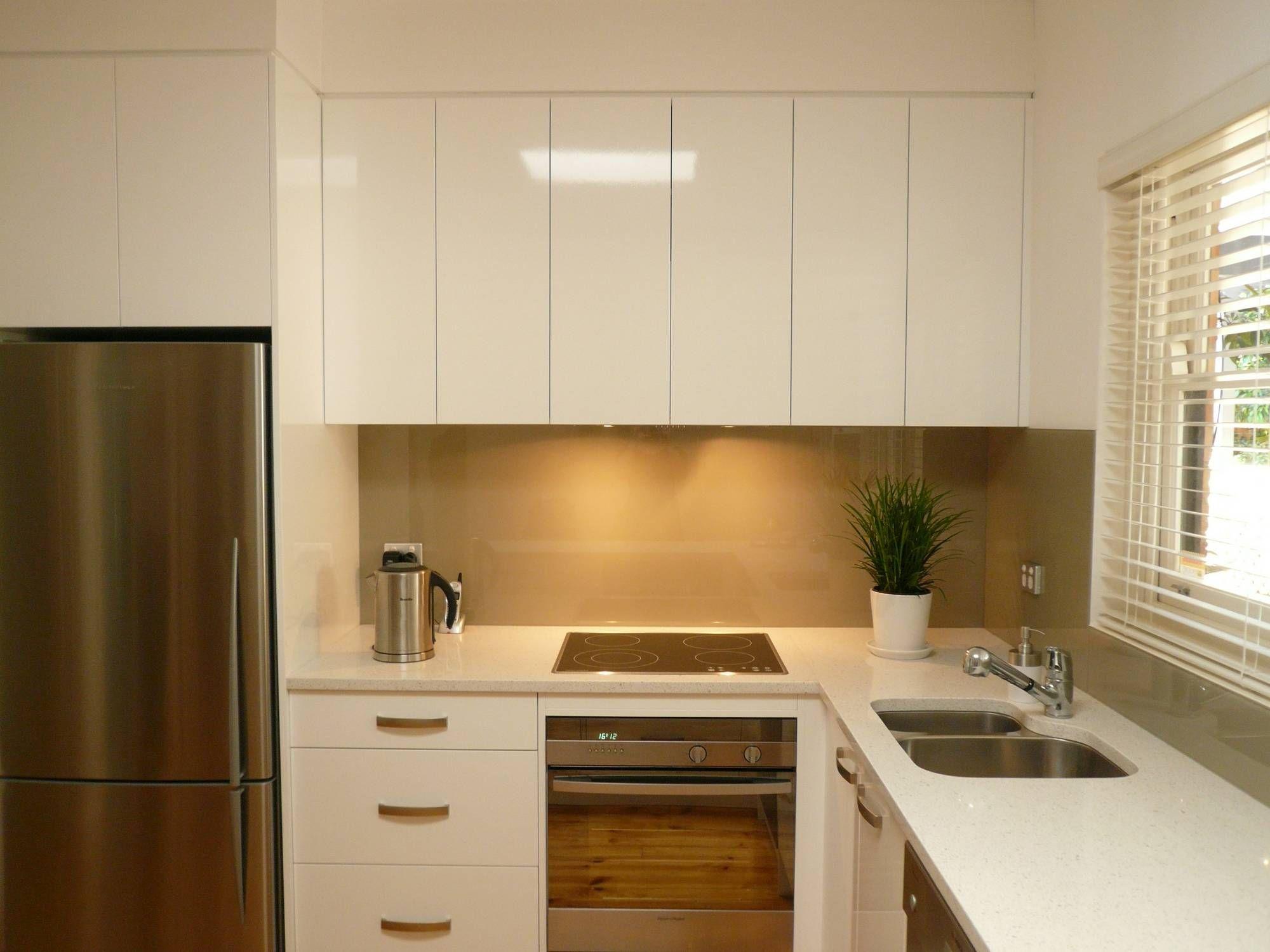 Black Splashback Kitchen 46 Best Ideas About Back Painted Glass On Pinterest Black