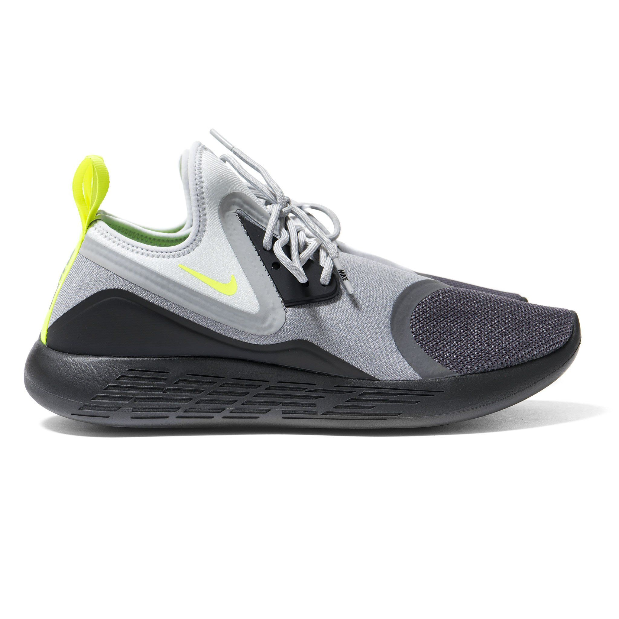 The Nike Lunarcharge Neon Is Now Arriving At Select Retailers Overseas Nike Sneakers Running Shoes Design