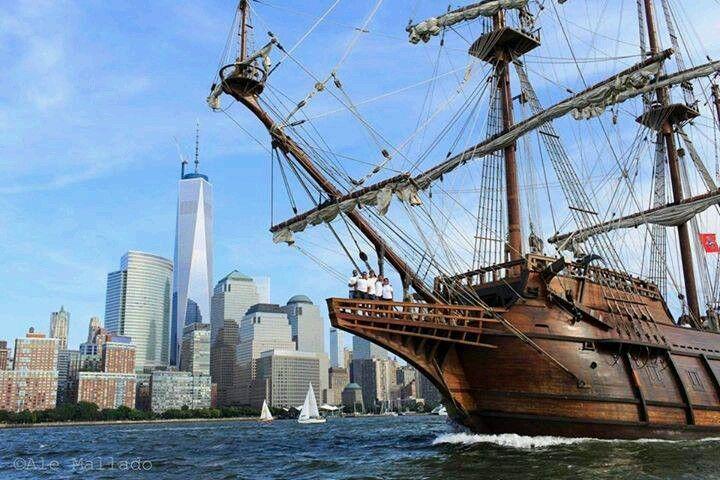 El Galeon sailing into NY
