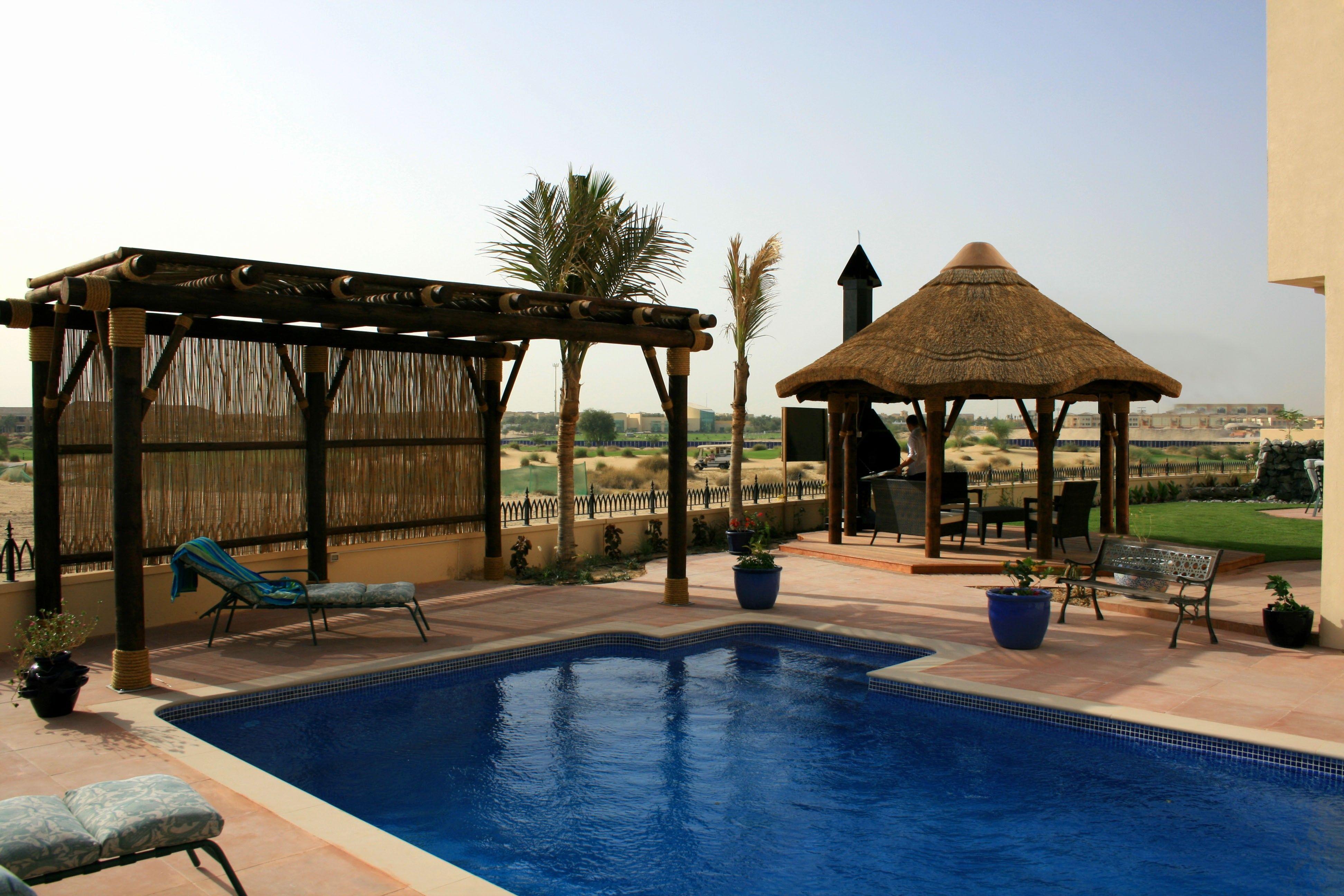 Perfect outdoor entertaining! Pool, Pergola, Gazebo