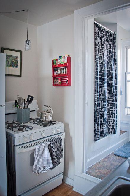 Createlive: DIY Hanging Wire Lighting (Gutter Strainer Lighting)