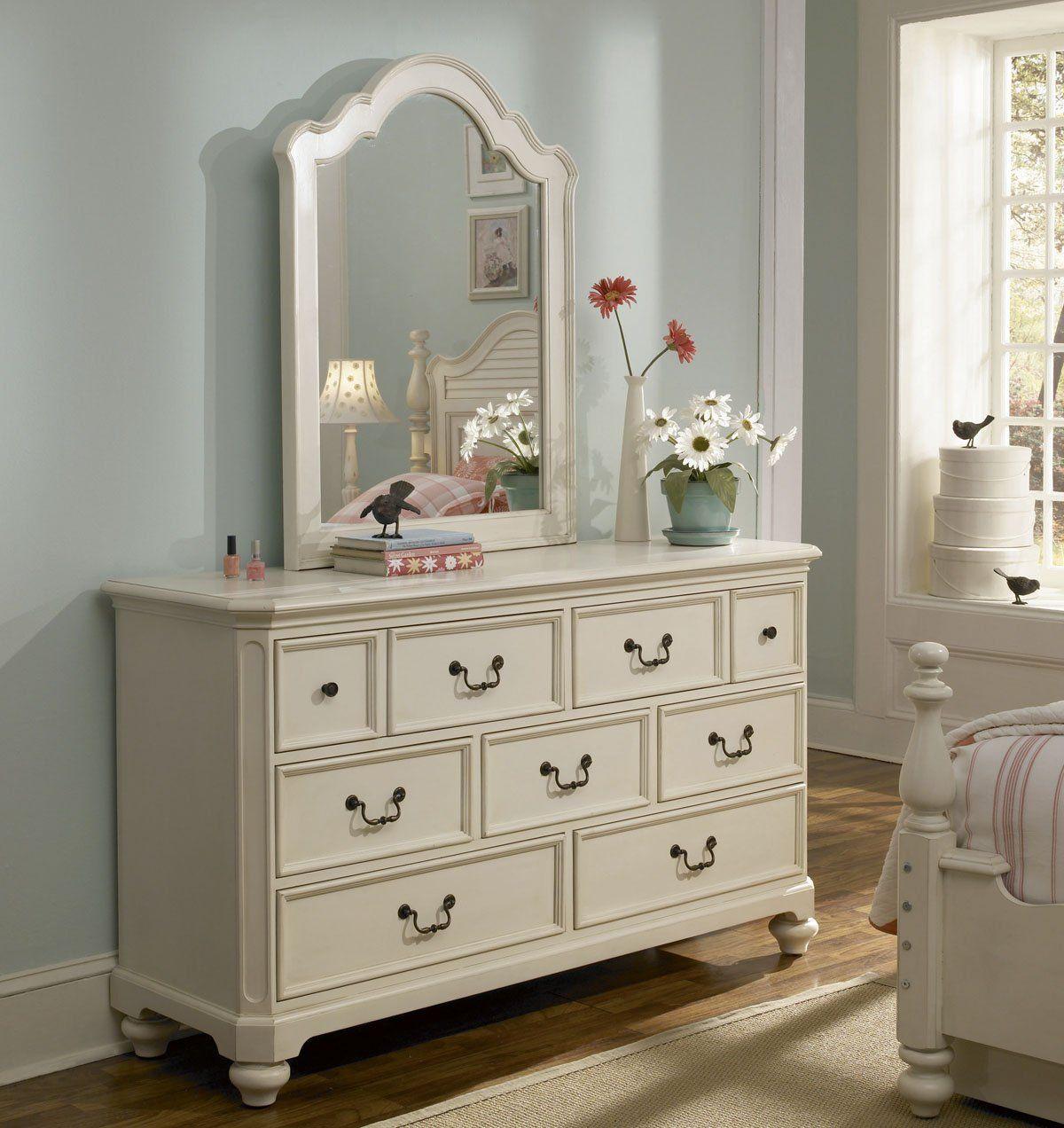 Best Amazon Com Lea Retreat White 7 Drawer Dresser W Vertical Mirror In Antique White Bedandbath 640 x 480