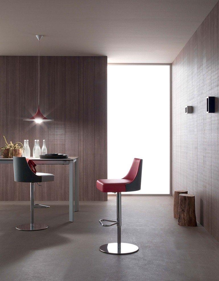 Taburete de bar en acero de estilo moderno ajustable en altura con reposapiés MALIBU | Taburete giratorio - ITALY DREAM DESIGN - Kallisté