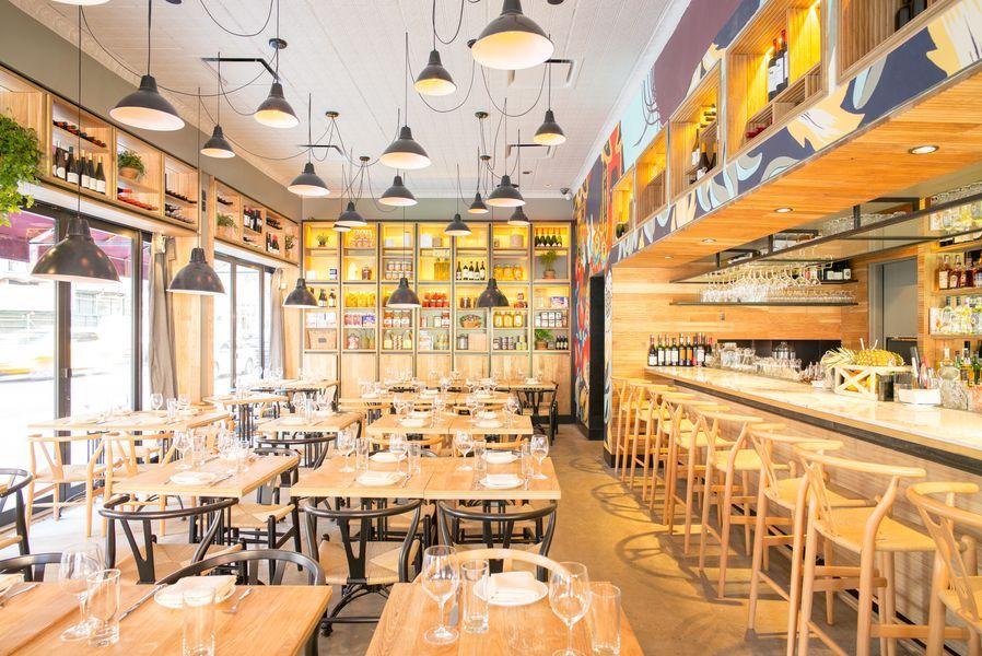 Combina A Spanish Israeli Restaurant From Taïm S Einat Admony Chicas En New York Soho Restaurantes