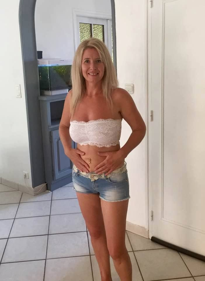 Huge saggy mature tit