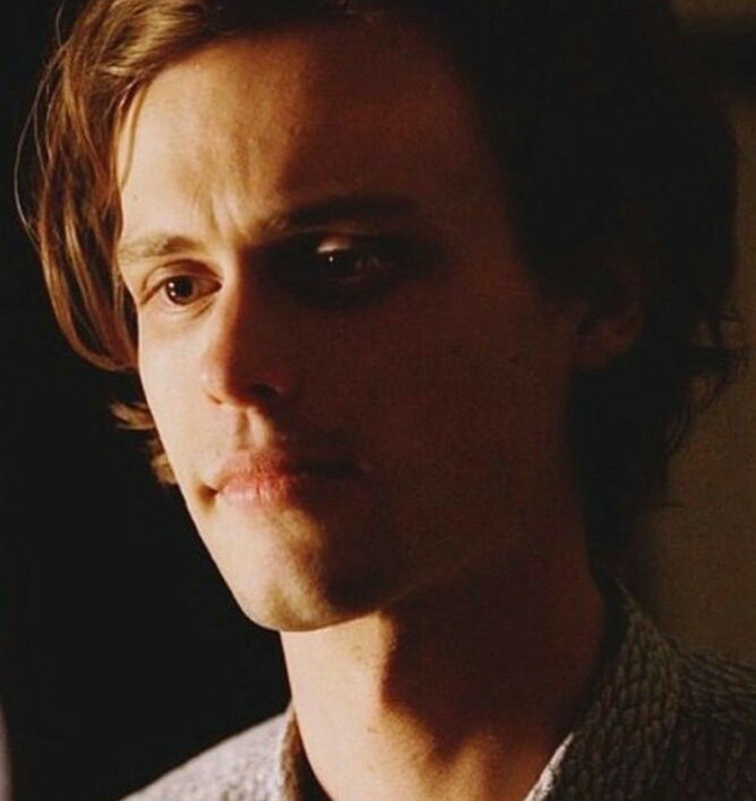 Pin By Karen Austin On Matthew Gray Gubler Matthew Gray Gubler Matthew Gray Spencer Reid Criminal Minds